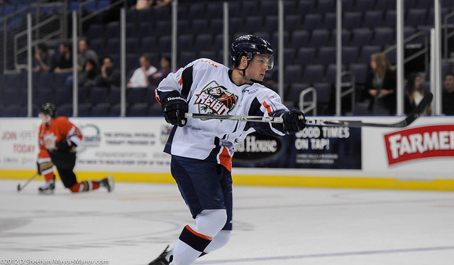 reign-10-17-2012-clune