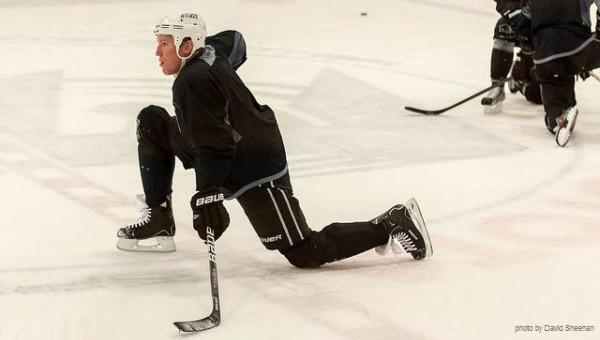 Matt Greene streching MayorsManor LA Kings
