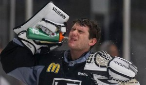 Jonathan Quick Kings MayorsManor water bottle