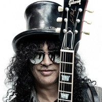 VIDEO: Slash performs National Anthem for Game 3