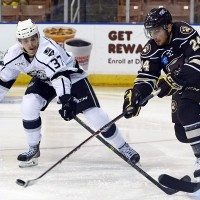 AHL: Shore, Weal score in Monarchs 3-1 win
