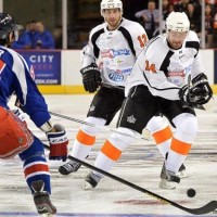 Simon Gagne scores two goals in his return to action
