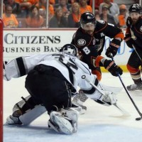 Teemu Selanne on how to beat Jonathan Quick